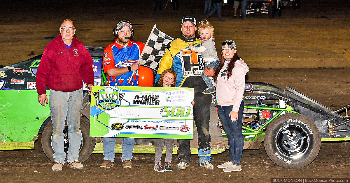 Troy Hovey won the USRA B-Mod main event.